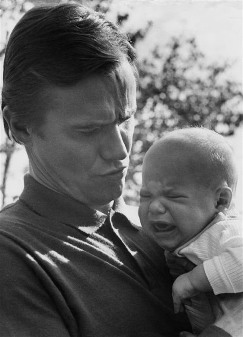ladysarahkennedy:  Young Prince Henrik and baby Joachim.  So cute (^ 3 ^)