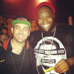 Me and the homie killer mike  geeked out toasty bout to twist another up!!!!!