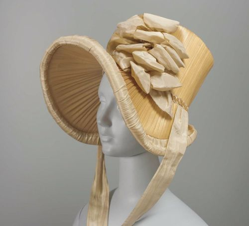 Bonnet, ca 1815 US, the Museum of Fine Arts, Boston  Woven straw bonnet trimmed with cream silk taffeta ribbon and plaited straw