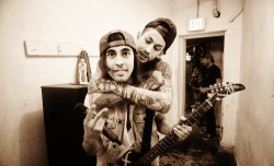 ourlifewasalivinghell:  samsaraaffliction:  Vic and Mike Fuentes - Pierce The Veil  you're the cutest things, ugh love me