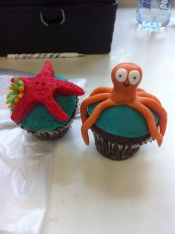 whatsthatpussycat:  Under the sea themed cupcakes!