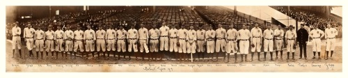 1914 Detroit Tigers Team Panoramic Here's another picture that's been on-deck for a while, enjoy! Ty sure did, he managed to run run to the end of the photo to be pictured twice.