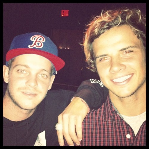 omg awesome, Sheckler and Julian. Too cool :)