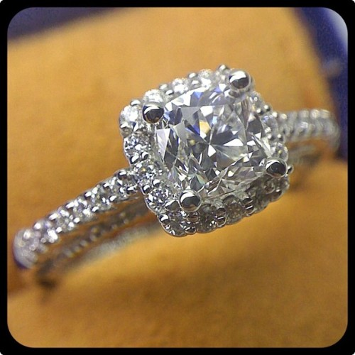 Cushion cut diamond set in the cushion shape diamond halo of this elegant Venetian-5022CU