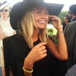 being-lara-bingle:  so bloody gorgeous