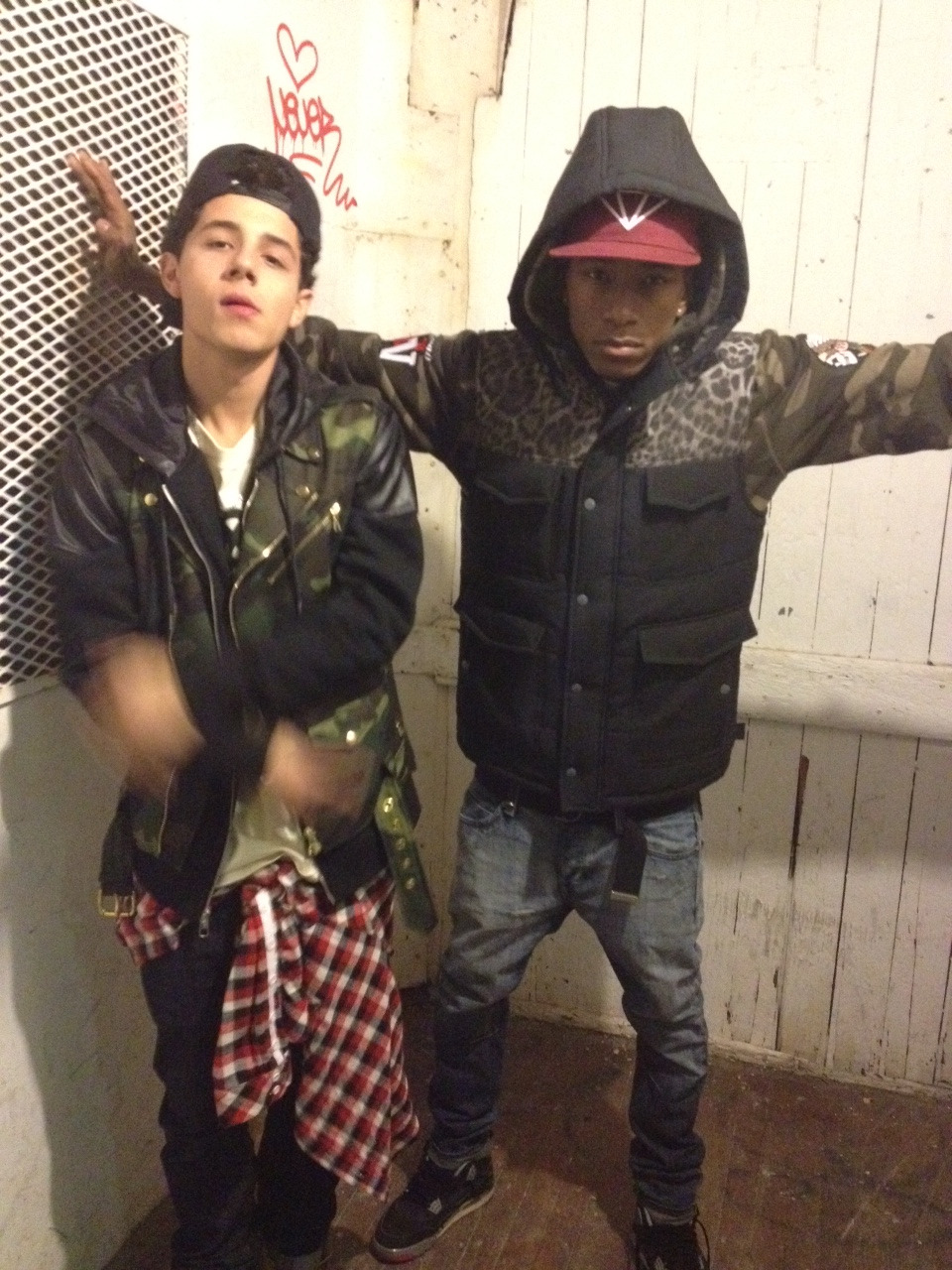 liveloveekdogg:  proera:  Dyemond & Nyck caution  PE n all'at