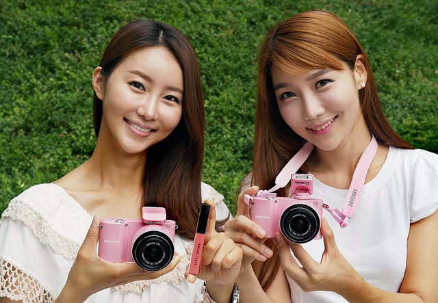 Fall in love with Samsung Camera NX 1000 !!! ♥♥♥