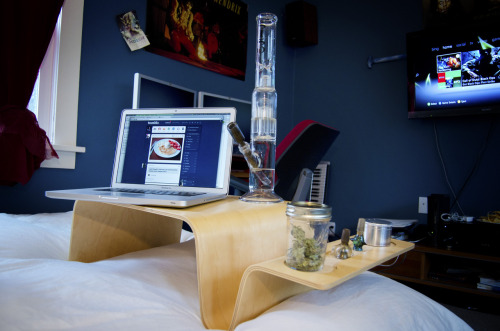 westcoaststoner420:  riverbudz:  I am gonna clean all my glass and have another day like this