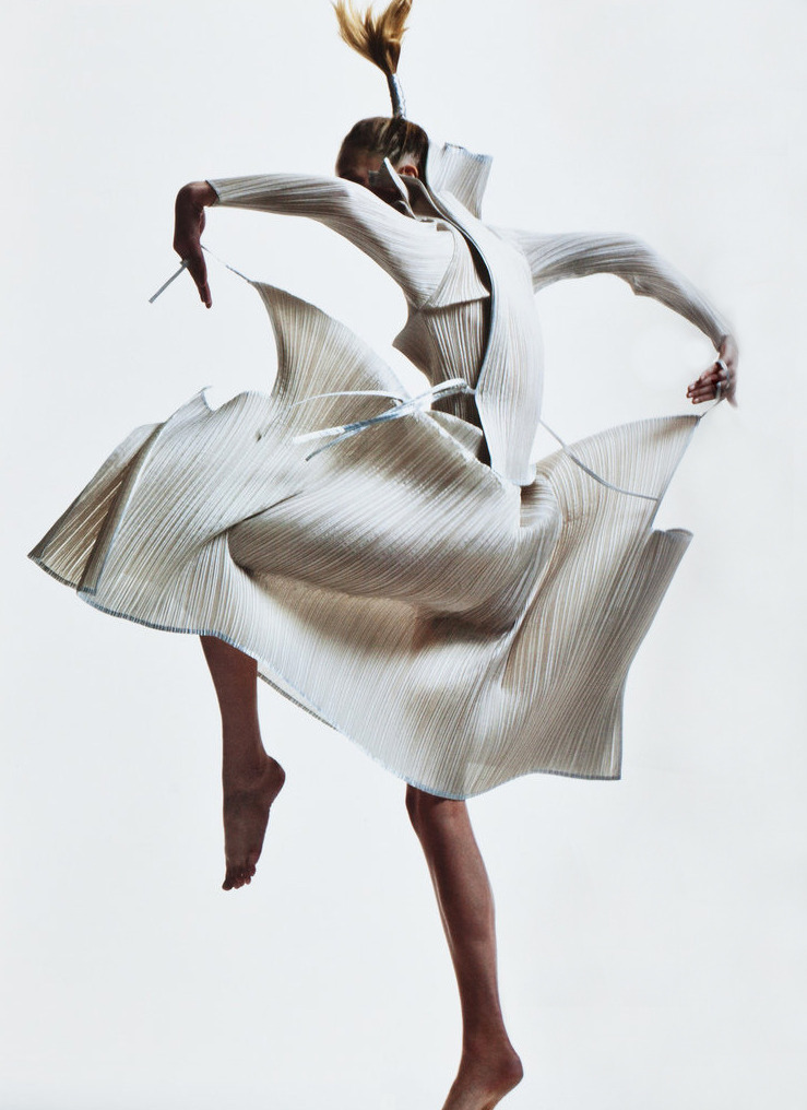 Future Shock: Raquel Zimmermann in vintage Issey Miyake; photographed by David Sims for V #45, Spring Preview 2007.