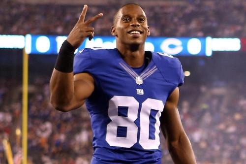 strikeupthecool:  Happy Birthday, Victor Cruz!  Now go whoop the Bengals. KThanks! Love you!