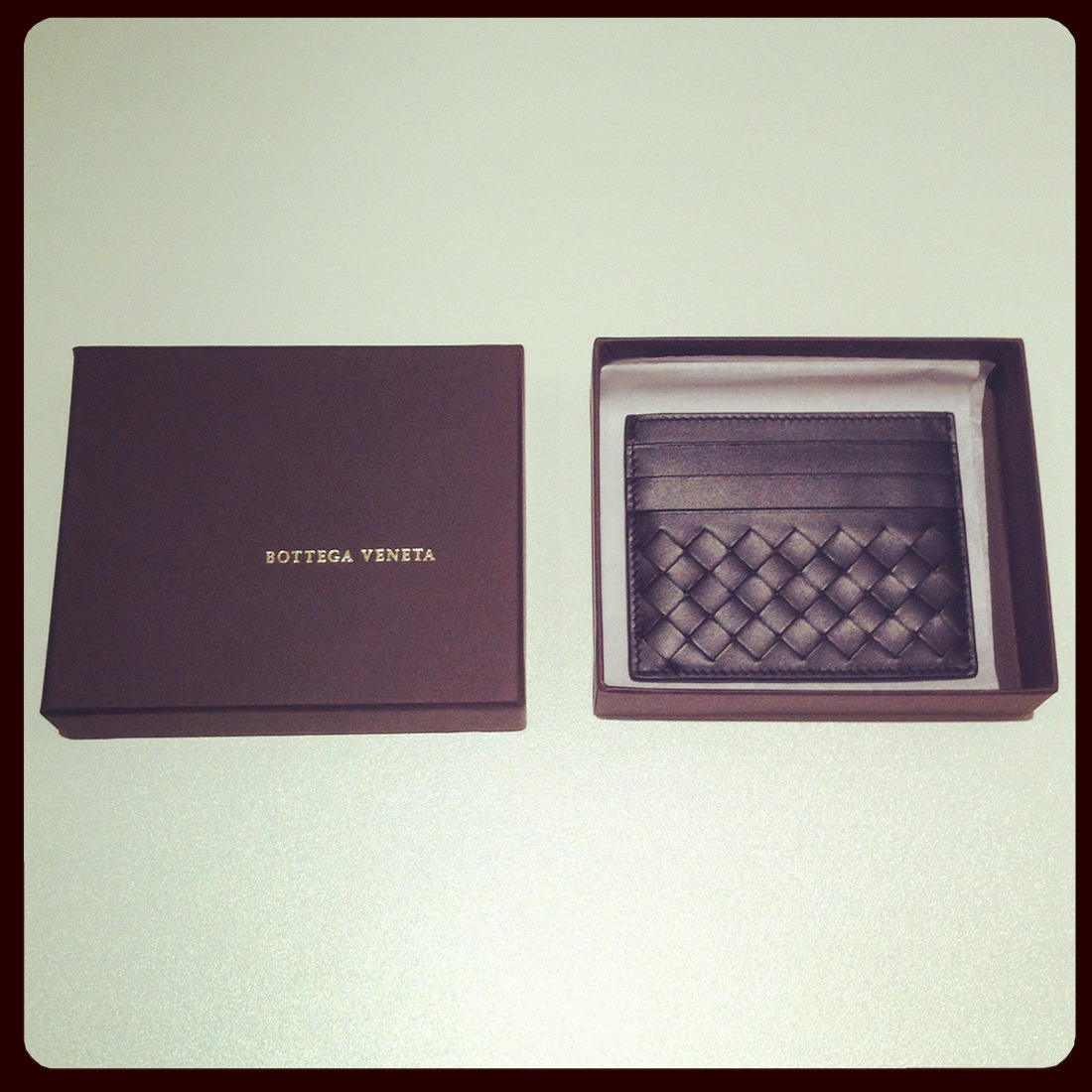 Our Sunday fix? Bottega Veneta's Intrecciato leather cardholder. BUY at: http://bit.ly/SUZdNx or SHOP all cardholders at: http://bit.ly/Uw9rHl