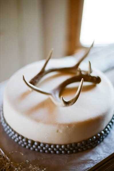 Baratheon-inspired antler cake