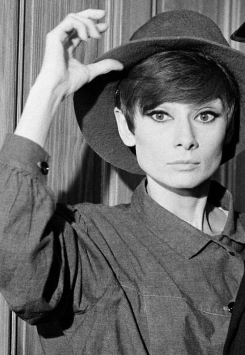 Audrey Hepburn on the set of How to steal a million, 1966