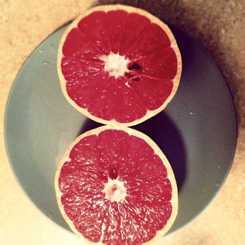 Evidence grapefruits are not purple.