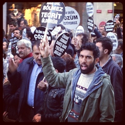 Marching for language rights (at İstiklal Caddesi)