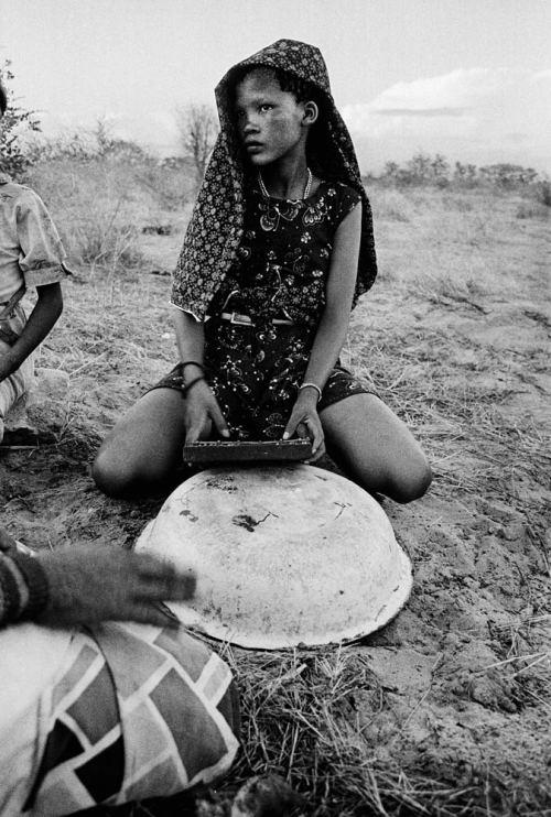 androphilia:  Playing The Dongu, Bushmanland, Auru, Namibia, 1989. By Paul Weinberg