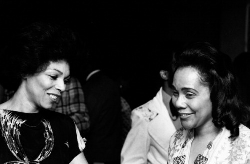 divalocity:  A Moment In Afro-Herstory: Actress Rosalind Cash and Mrs. Coretta Scott King attend the premiere of 'Uptown Saturday Night' on June 15, 1974.
