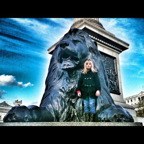 #TrafalgarSquare #London #nofilter #edited in #snapseed #Lion #statue #daughter #love #travel #greatbritain #england #instasky #skyporn #cloudporn #iphonesia #iphoneography #instagood #instamood #instaaddict #igersaddict #igersbritain #all_shots #photooftheday #picoftheday  (at Trafalgar Square, London)