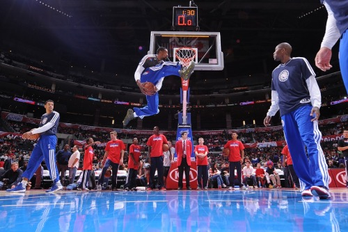 nba:  DeAndre Jordan of the Los Angeles Clippers dunks in pregame warmups before taking on the Atlanta Hawks at Staples Center on November 11, 2012 in Los Angeles, California. (Photo by Noah Graham/NBAE via Getty Images)