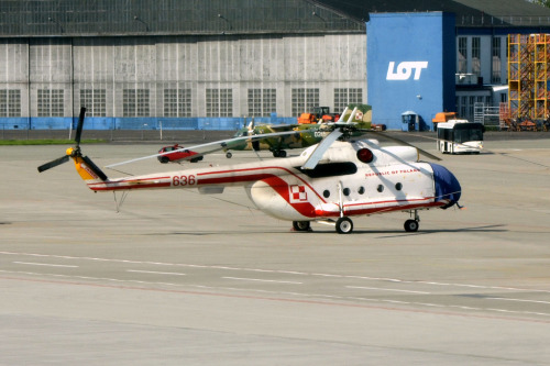 Polish Air Force 636 Mi-8 by hpulling http://flic.kr/p/dsmyaf