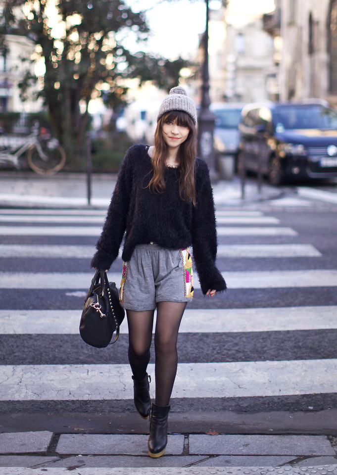 lookbookdotnu:  Hello beanie ! (by Betty A)