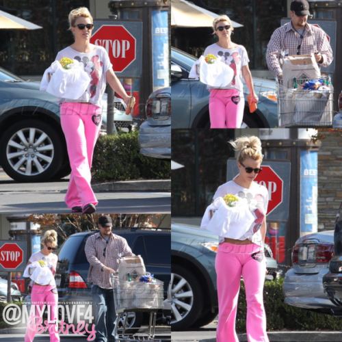 Britney yesterday in Calabasas.