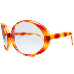 Brand: Pierre Cardin Model: 203Circa: 60's Made in: France Condition: - Frame: 8/10 - Lenses: 9/10 Color: - Frame: Tortoise- Lenses: BlueSize: - Horizontal Width: 170mm (6 ½ in.) - Vertical Height: 60mm (2 ¼ in.) - Temple Length: 130mm (5 ¼ in.) Description:- Rare model with oversize round lenses.- Mod Style.Price: $250