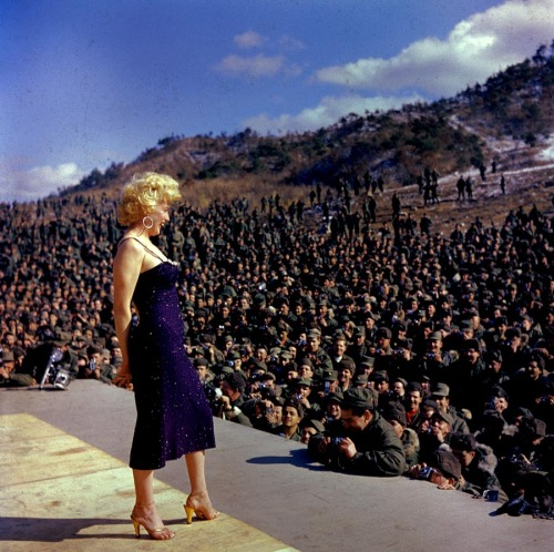 suicideblonde:  Marilyn Monroe performing in Korea in 1954