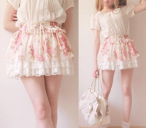Almost bought this skirt, but I bought another one instead :x still very cute