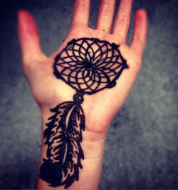 carolinetowns:  When i buy henna and get bored…