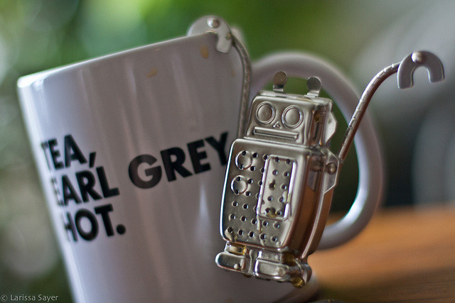 lunararya:  Teatime for Geeks by Laríssa on Flickr.