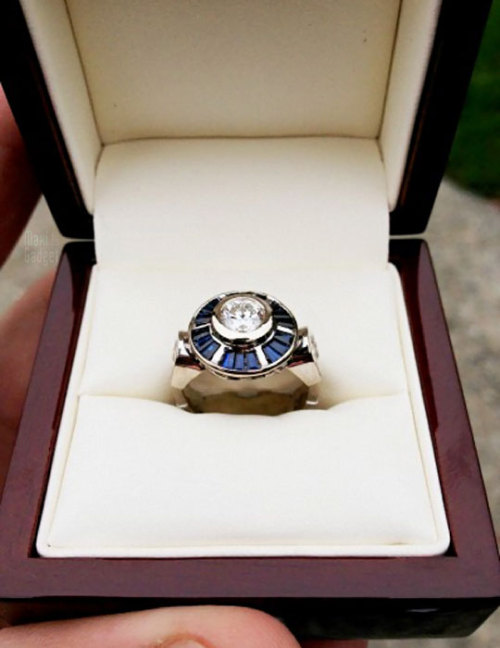 maxigadget:  Amazing R2D2 Engagement Ring