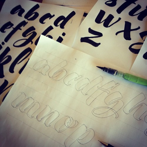 Working in my first type / Trabajando en mi pimera tipografia #lettering