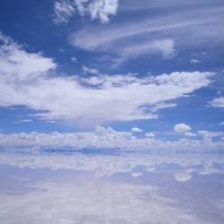 #nofilter #salardeuyuni #uyuni #saltflats #reflection #skyporn #bolivia #travel #backpacking #iphonesia #igers #southamerica #latinamerica