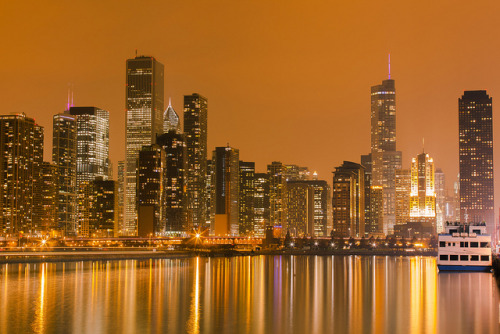urbanthesia:  Chitown Nights by mambol on Flickr.