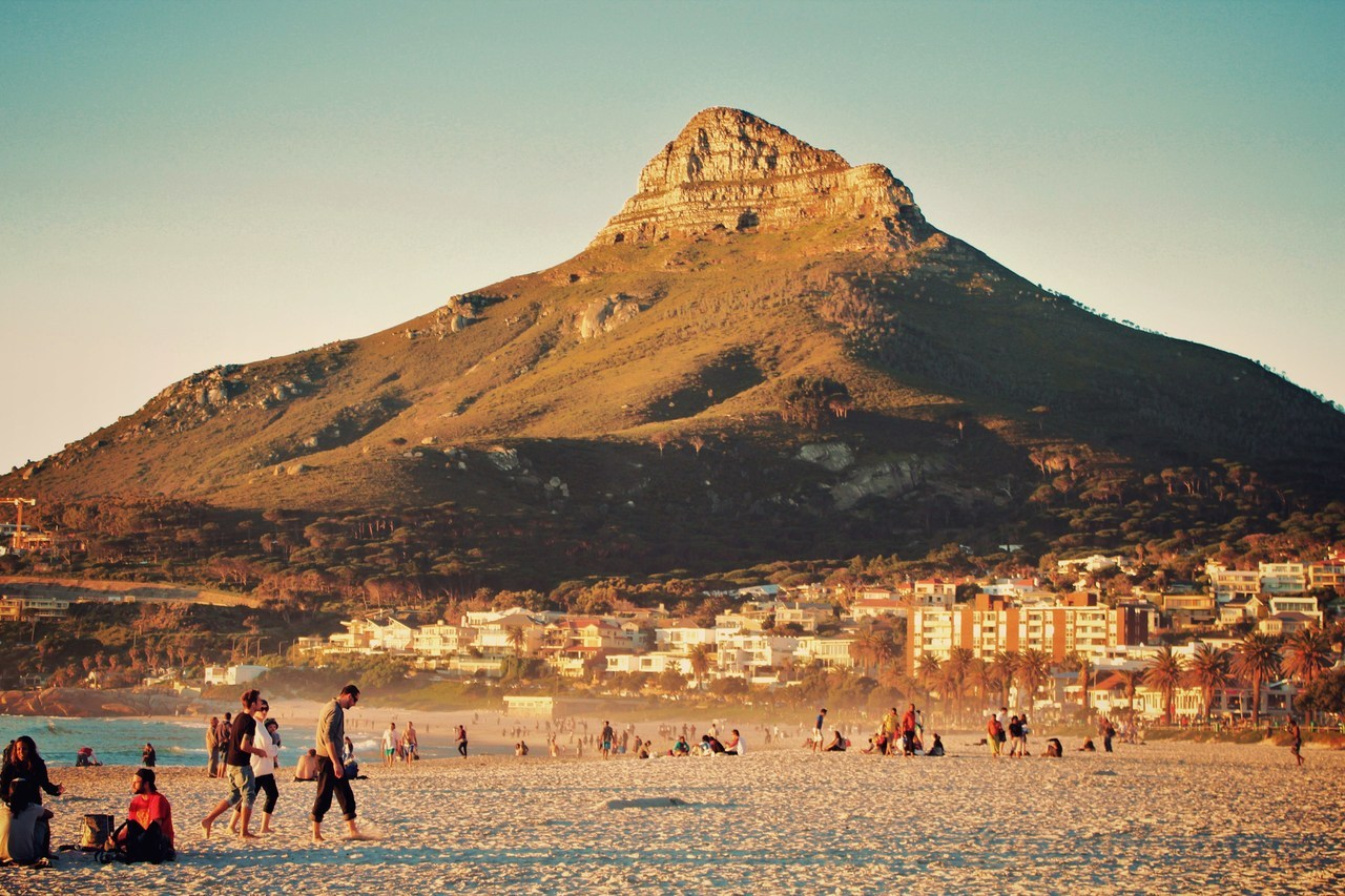 oasis-in-a-desert:  Lions Head // Cape Town, SA