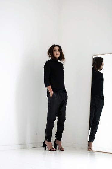 STYLE INSPIRATION: Minimalism / Cindy Van der Heyden. So simple. So chic!
