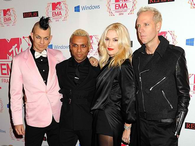 There's NO DOUBT that I love No Doubt! Well, especially GWEN STEFANI! The band hit up the red-carpet at MTV's European Music Awards and they performed! I mean, has it really been over a decade since they released their last album?! xo @RozOonTheGo