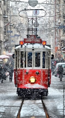chezmoitoutsimplement:  Tram by Niyazi Uğur Genca on 500px