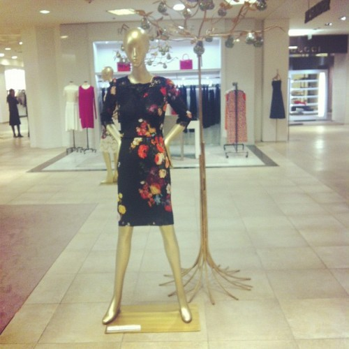I normally hate floral but loving this #Dolce&Gabbana dress #fashion #saks #beverlyhills #style #fashiondiaries #instafashion #instagood #iphoneonly  (at Saks Fifth Avenue)