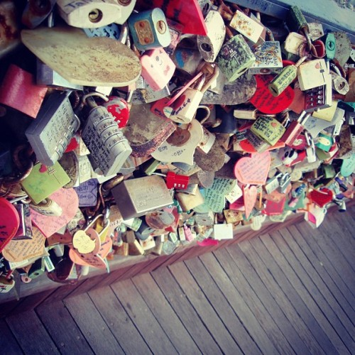 At Mt. Namsan, located in the center of Seoul, South Korea, thousands of lovebirds lock their padlocks together and throw away the key to symbolize their eternal #love for each other. #Michelin #GreenGuides #Korea