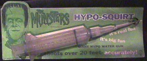 The Munsters Hypo-Squirt syringe / Water pistol (1964)