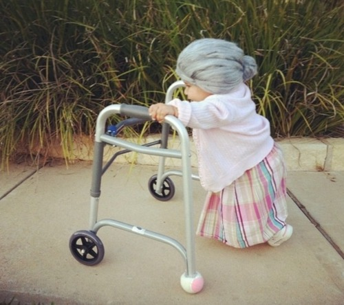 alyricalsecret:  Best toddler costume ever