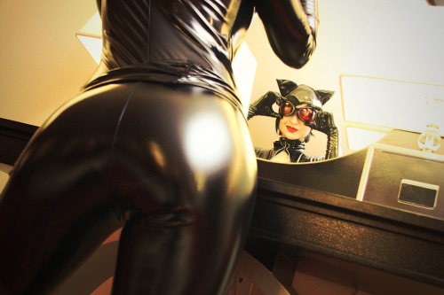pretty-zombie-girl:  Ready For Trouble - Catwoman by *Mostflogged on deviantART