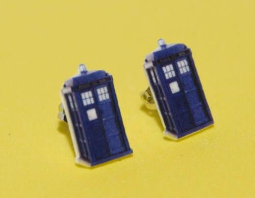 Doctor Who Earrings! Only 10 bucks each! Makes a great Xmas gift! Get them while they last :) http://www.etsy.com/shop/HeidiEgerDesign
