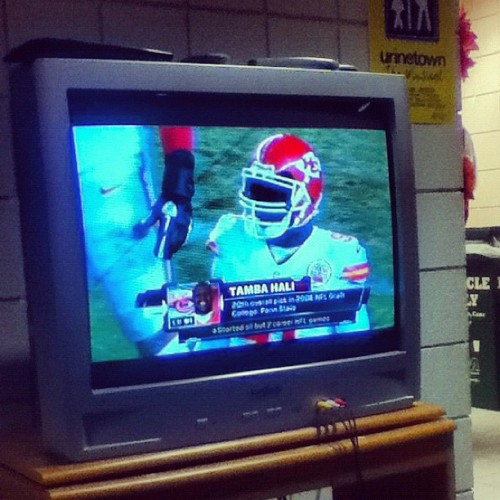 Watching the Chiefs game. They led for the first time this season! #kcchiefs #chiefs #kansascity #nfl #football #picoftheday #photooftheday #popular #popularpage #igers #insta #instago #instago #instamood #instagood #instadaily #instafollow #instagramhub #jj #jj_forum #missouri