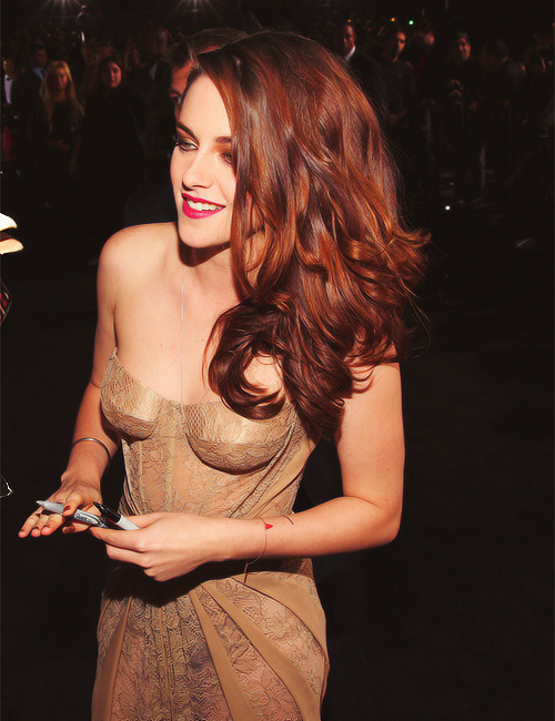 Kristen at the Breaking Dawn Part 2 LA Premiere - 12.11.12