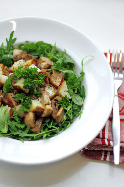 Roasted Potatoes, Mushrooms and Rocket by Salad Pride on Flickr.