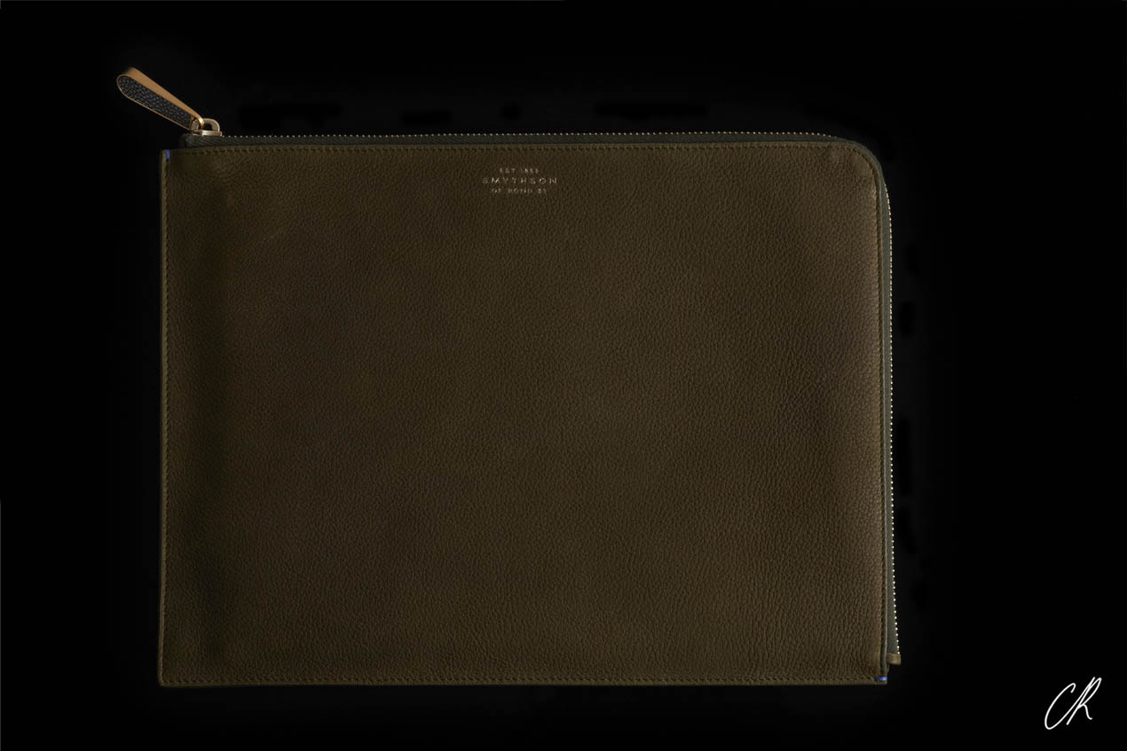 "SPECIAL CASE CR's must-have travel pouch from Smythson [[MORE]]  ""It's the same khaki green color I love for my skirts and shirts, especially when they are suede. Pairing either your khaki skirt or shirt with this pouch is the new 'twin set!'"" –Carine Above: Smythson Eliot Collection Medium Olive Pouch in soft taureau leather, $330, available at Smythson.com. Photography Marilou Daubé & Pierre Jeand'heur Editor Shiona Turini"