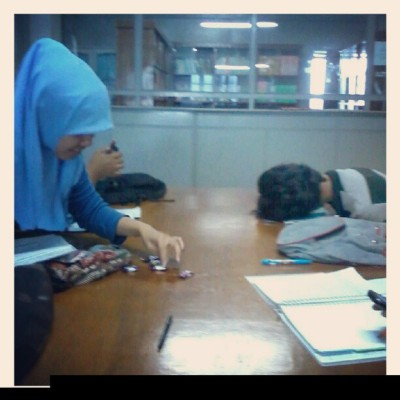 belajar kelompok cm numpang tidur #jayanusa #friend #perpustakaan #likeus #love #padang #love #wew #like #like #likeus #likeback #followus #followme #like  (at AIM-AMIK-STMIK Jayanusa)